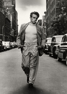 © Roy Schatt / Courtesy Camera Work, Berlin , James Dean, Walking Shot , New York City, 1954