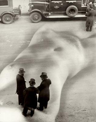Heinz Hajek-Halke, Die üble Nachrede (Malicious Gossip), 1932, Vintage silver print, Estimate € 8,000 – 10,000