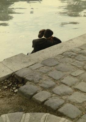 """Peter Cornelius, """"Square du Vert-Galant"""", 1956, Aus der Serie """"Farbiges Paris"""", 1956-1961, © Peter Cornelius, Courtesy: Nachlass Peter Cornelius-d´Hargues"""