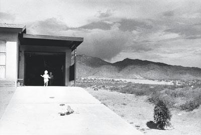 Garry Winogrand, Albuquerque, New Mexico, 1958, Gelatin-silver print, 21.5 x 32 cm, Collection Fotomuseum Winterthur, © Estate Garry Winogrand / Courtesy Fraenkel Gallery, San Francisco
