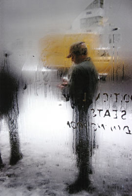 Saul Leiter: Snow, 1960, © Saul Leiter. Courtesy Howard Greenberg Gallery, New York