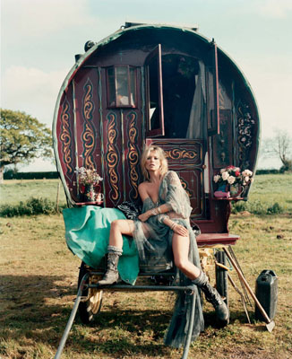 © IAIN MCKELL, from THE NEW GYPSIES