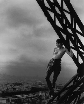 Peter Lindbergh, MATHILDE, ROLLING STONE MAGAZINE, TOUR EIFFEL, PARIS 1989, © Peter Lindbergh