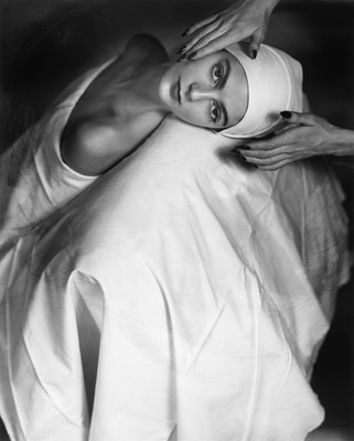 """Horst, Horst P.1906 Weißenfels on the Saale - 1999 Long Island/New York""""Advertisement with Carmen"""". New York 1946. Later gelatin silver print."""