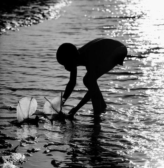 © Beat Presser, Nuraddin übt für sein späteres Leben als Kapitän einer stolzen Dhau, Madagaskar, 2009
