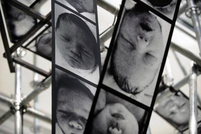 Christian Boltanski, Chance, French pavilion, 54ste Biennale van Venice 2011, foot: Didier Plowy