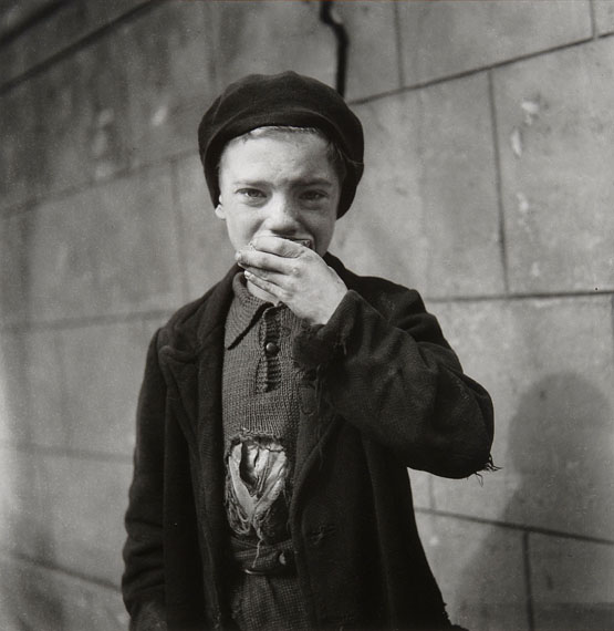 Emmy Andriesse, Portrait of a boy. Amsterdam, spring 1945. Coll. JHM