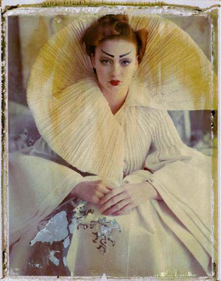 La fille en plâtre IV (version 1), Dior by John Galliano, Les ateliers du Style, Paris, 2009 © Cathleen Naundorf
