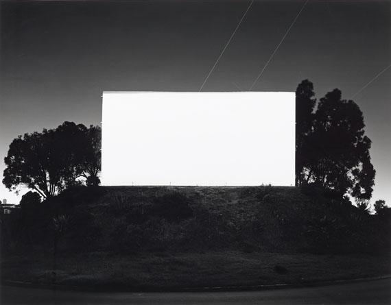 "Sugimoto, Hiroshi""Bay Drive In, San Diego"". 1993. Gelatin silver print. Number 7/25Estimate: 25.000 - 30.000 EUR"