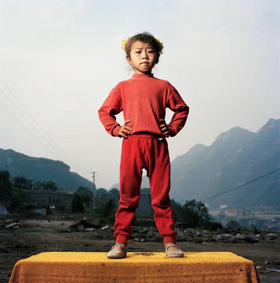 Qin Lingling (5), Zirkusakrobatin, Hokou, Shanxi © Mathias Braschler und Monika Fischer