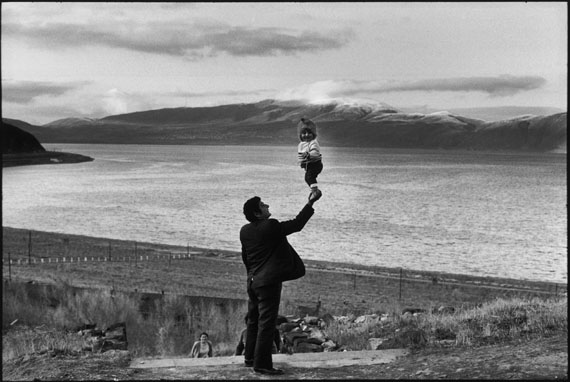 SOVIET UNION. Armenia. Visitors at village on the Lake Sevan. 1972.© Henri Cartier-Bresson/Magnum Photos