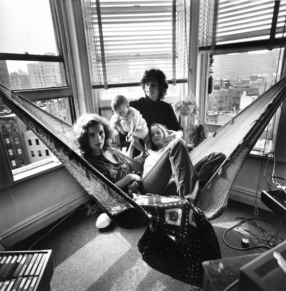 Timm RautertViva and Family, New York (Detail), 1971Aus der Serie: New York, 1971