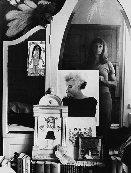 Helga ParisSelbst im Spiegel, 1971Silbergelatineabzug30 cm x 22,5 cm