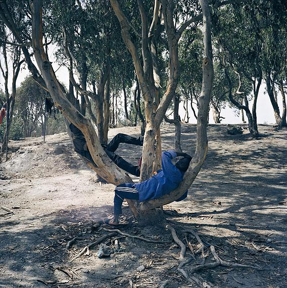 Yto BarradaCamp de Calamocarro, Sebta (Calamocarro Camp, Ceuta), 1999/2011C-Print, 100 x 100 cm© Yto Barrada & Galerie Sfeir-Semler, Hamburg/Beirut