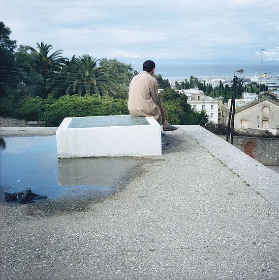 Yto BarradaMur des paresseux (Lazy Wall) (Wand der Faulenzer), 2001/2010C-Print, 125 x 125 cm© Yto Barrada & Galerie Sfeir-Semler, Hamburg/Beirut
