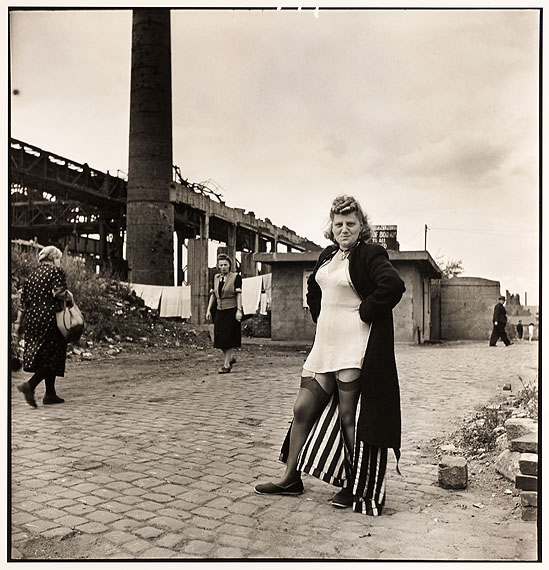 © David Seymour (Chim), Hure, Essen 1947