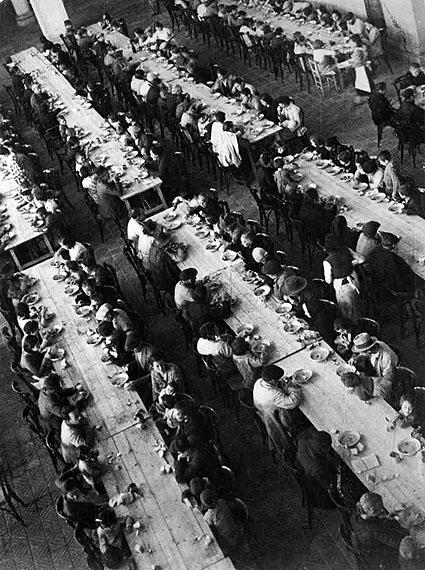 David Seymour: Barcelona. Refugee center, 1936 © Chim Estate/Magnum Photos