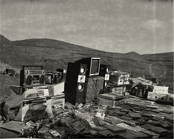 Electronics (2006) Silver Gelatin Print. 50.8cm x 61cm – Edition of 20; 106cm x 130cm – Edition of 8