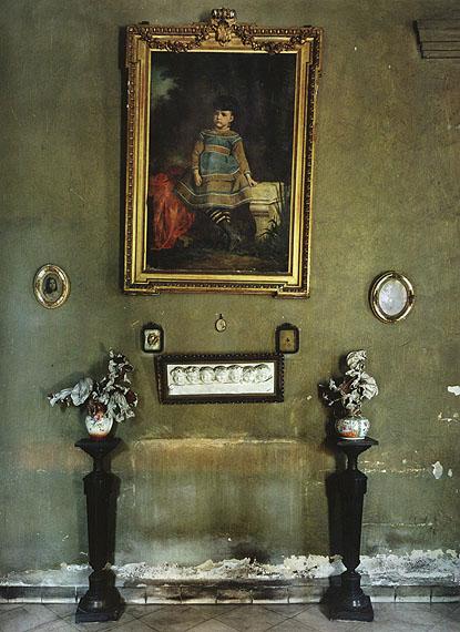 Mercedes Table, 2002 © Michael Eastman