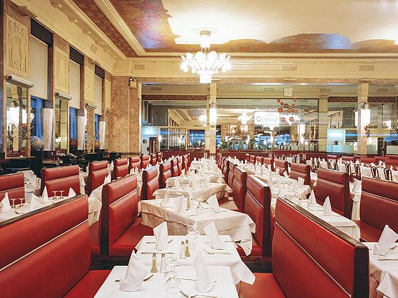 Stefan Koppelkamm: Lyon, Brasserie Georges, 2009