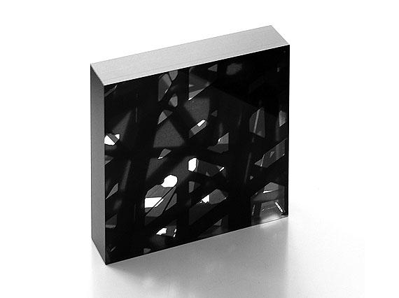 """Kurt Laurenz Theinert: """"Raumverdichtung Berlin 3"""", 2006, Digital-Direktdruck auf Acrylglas, 21 x 21 x 5 cm"""