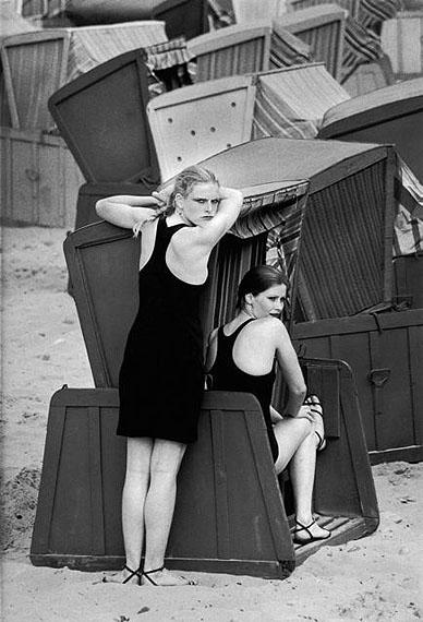 10© Sibylle Bergemann, Marisa und Liane, Sellin, Insel Rügen, Mecklenburg-Vorpommern, 1981 / Courtesy Johanna Breede PHOTOKUNST