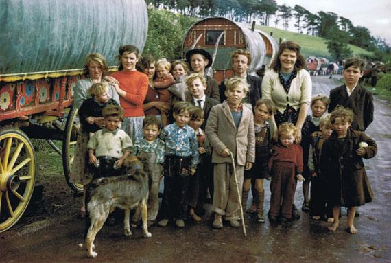 Inge Morath, Gipsy Family Kilorgllin 1954 , © Inge Morath Foundation