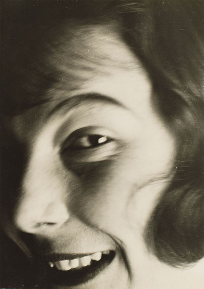 László Moholy-Nagy, Portrait Ellen Frank, c. 1929Vintage gelatin silver print. 27.8 x 19.5 cm (29.9 x 23 cm)Estimate € 20,000 – 25,000