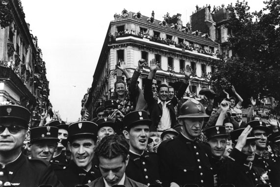 Liberation of Paris, 26th August 1944© Robert Capa /Magnum Photos