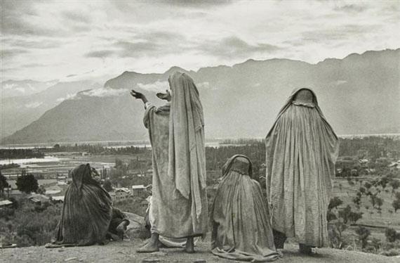 Henri Cartier-BressonSrinagar, Kashmir, 1948Gelatin silver print9.5 x 14 in.24.1 x 35.6 cm.US$12,000-15,000