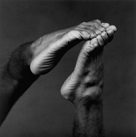 "Robert Mapplethorpe""Feet"", 1982silver gelatin print / Silber Gelatine Abzug16 x 20  inches / 41 x 51 cm© Robert Mapplethorpe Foundation. Used by permission. Courtesy of Galerie Stefan Roepke, Cologne."
