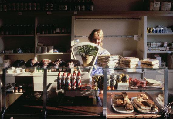 Aus der Serie: Ferner Osten. Die letzten Jahre der DDR – Fotografien 1986-1990, Dorfkonsum in Sachsen © Harald Hauswald