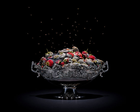 Klaus Pichler: Strawberries, 2011 ed. 5+II/5+II 60x75, 90 x 105 cm