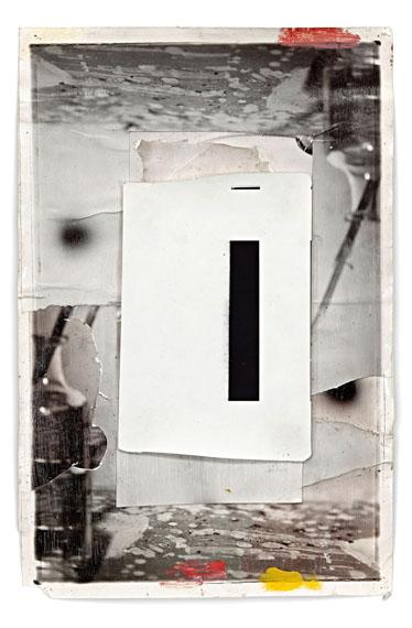 """Jeff Cowen: """"Z-4"""", 2012, Silbergelatineabzug, Mischtechnik, Unikat, 46 x 31 cm © Jeff Cowen, Berlin. Courtesy Galerie Michael Werner Märkisch Wilmersdorf, Köln & New York"""