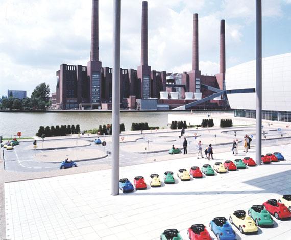 VW Lernpark, 2001 © Massimo Vitali