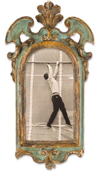 Miriam Schwedt: ohne Titel, 2013, Lith-PrintVenezianischer Rahmen, halbrund, Italien (Venedig) um 1700© Glenn Rehbock, Düsseldorf / Miriam Schwedt