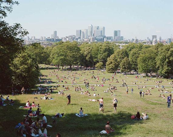 Greenwich Park, 2012 © Massimo Vitali