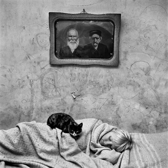 Portrait of sleeping girl, 2000 © ROGER BALLEN