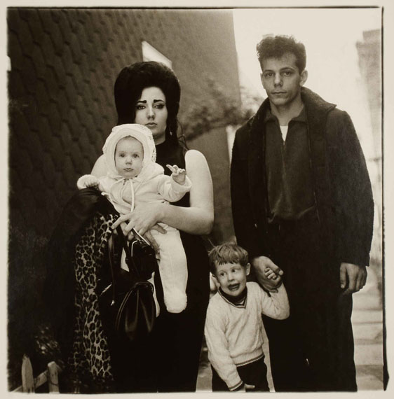 Diane ArbusA young family in Brooklyn going for a Sunday outing From the edition: A box of Ten Photographs, 1970Gelatin silver print, printed 197337,8 x 36,5 cmWestLicht/Vienna