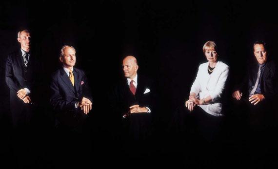 CLEGG & GUTTMANN 21 Berliner Senatoren, 2000(Berlin Senators) Ilfochrom, 200 x 320 cm