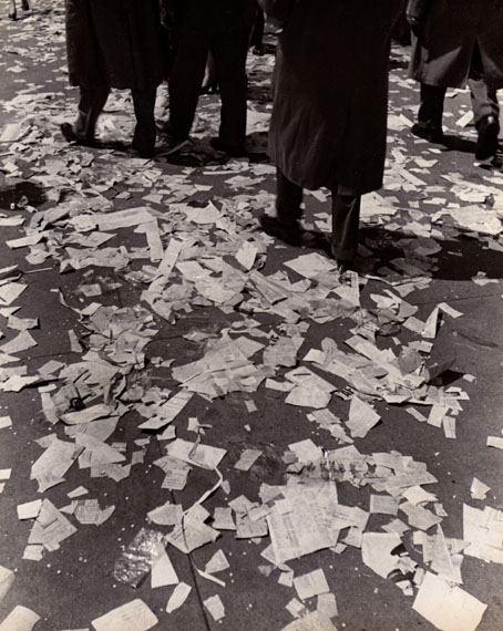 After the Parade, New York, 1945 © Fred Stein