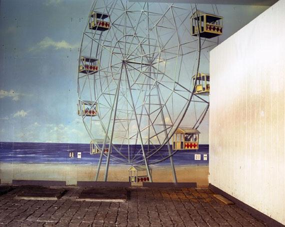 "Lisa Kereszi: ""Broadway Arcade, Times Square, N.Y., 2004"""