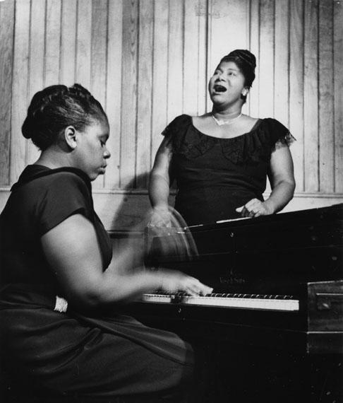 Clemens Kalischer: Mahalia Jackson, 1956