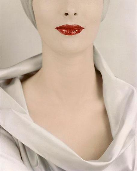 Erwin Blumenfeld: Decollete, Victoria von Hagen, Vogue, New York, 15 October 1952 (from Vive L'Amerique ! portfolio, 2013)