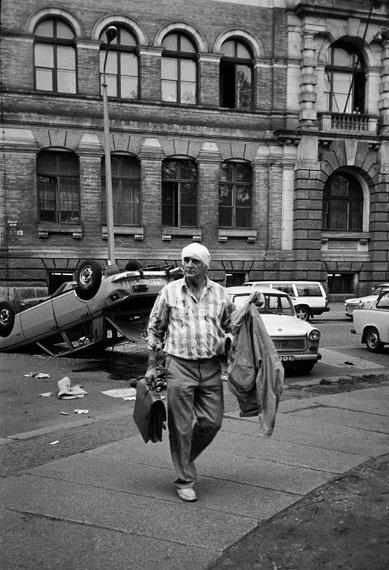 Gerhard Gäbler: Leipzig, Mai 1990, Aus der Serie: Ostbad, 1990