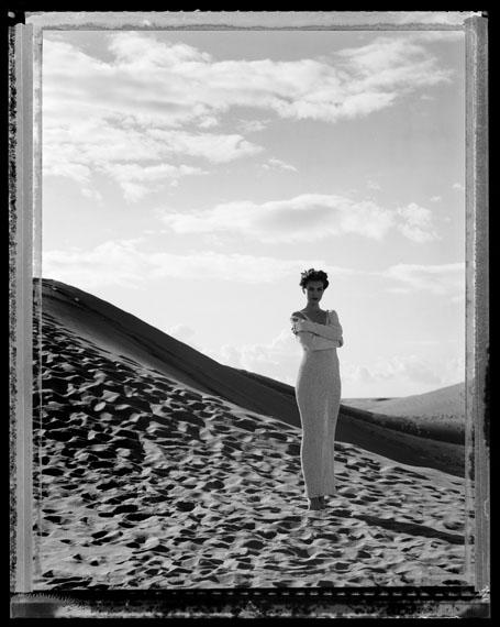 """Werner Mahler: Modefoto für die Zeitschrift """"Sibylle"""", 1994. Polaroid 4x5 inch. © Werner Mahler"""