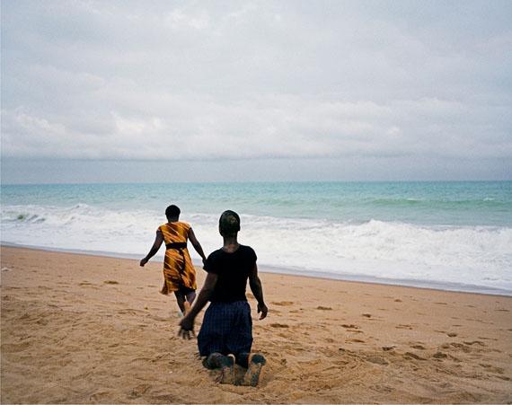 José Pedro Cortes: Untitled (boy and girl on the beach),  2011, 105x130cm, Inkjet Print, ed. 1/5