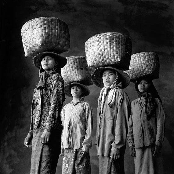 Günter Pfannmüller: Ma Yin Nwe 16, Ma Nway 14, Ni Karay 16, Ma Nu Hlaing, 17, Bamar, Myanmar, 1995
