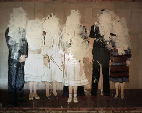 Hussein Family Portrait.Baghdad.September, 2003.© Sean HemmerleCourtesy Feroz Gallery, Bonn