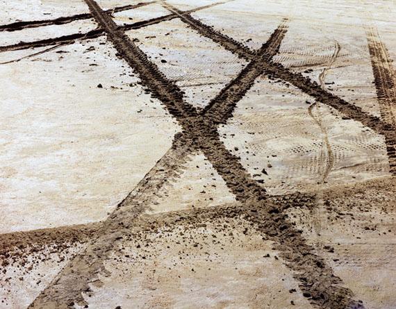 "Tire Track X, Great Salt Lake, UT(October 1977)17x22"" pigment print on Platine paper© John Pfahl"